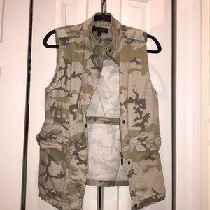 Max Jeans Jackets & Coats - NWOT Max Jeans Camo Vest